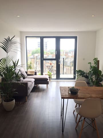 Brand new, bright and modern flat in Shoreditch
