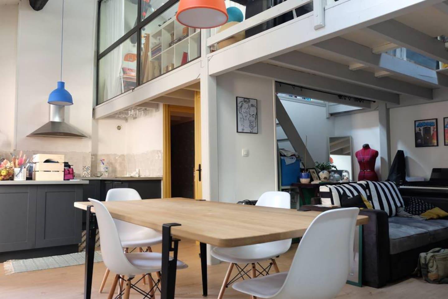 Vue de la pièce principale et cuisine