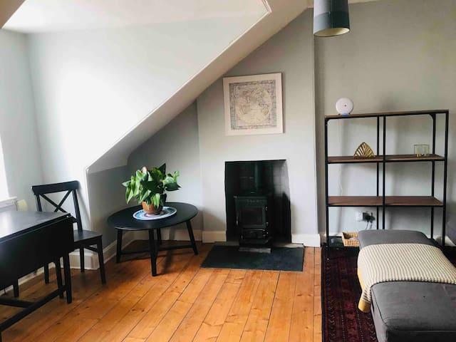 A cosy home in the sky of Stockbridge