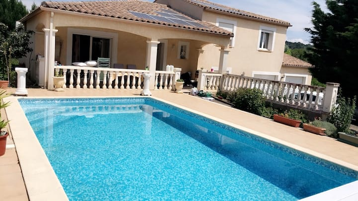 Suite dans Villa à 2 min Cité Carcassonne