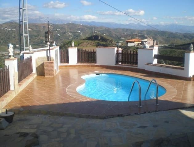 101284 -  House in Torre del Mar