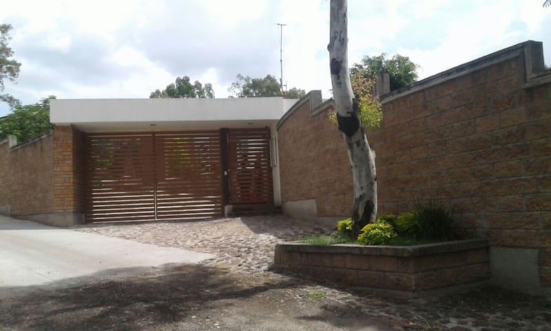 Casa de campo confortable, moderna en Irapuato.