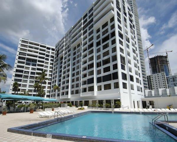 Lujoso departamento en la playa - Hollywood - Apartament