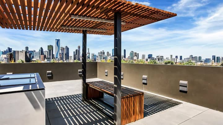 Stunning Modern 2Br 1Ba with Outstanding views