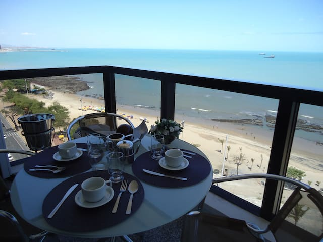 FABULOUS AND LUXURIOUS SEA VIEW FLAT - Meireles