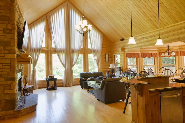 Canadian Dream Chalet