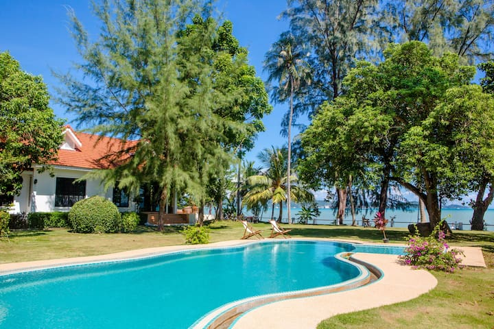 Beach Front Villa⚞Phiphi & Racha Views⚟3 Bedrooms