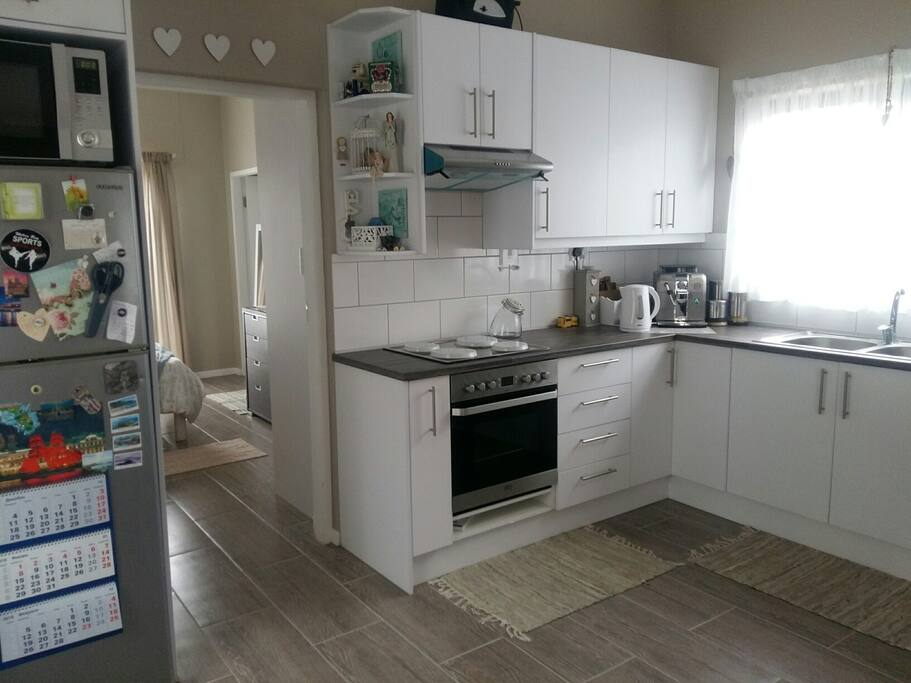 Self Catering, open plan kitchen & Lounge