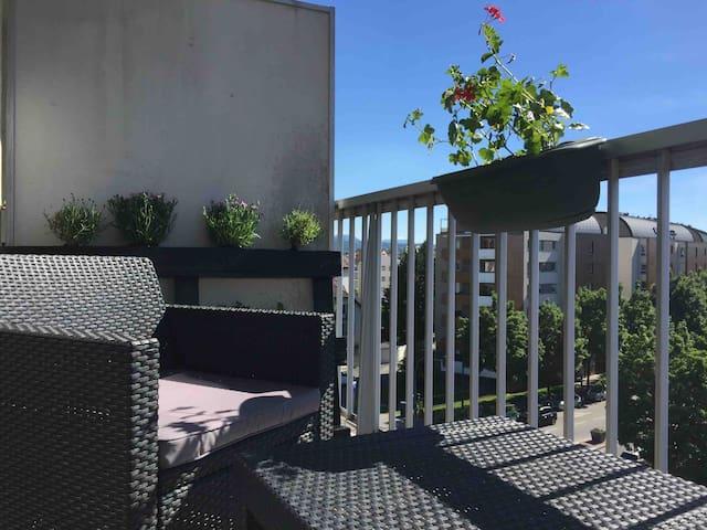 ANNECY charmant studio 22m² + balcon + parking
