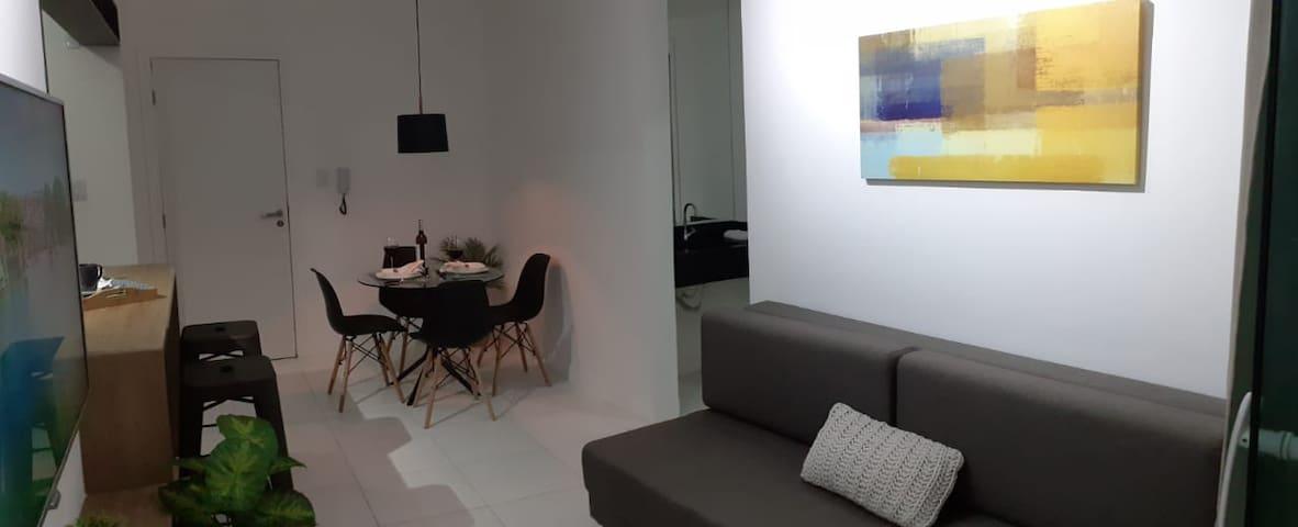 Balcão, mesa, sofá... vocês escolhem onde é melhor