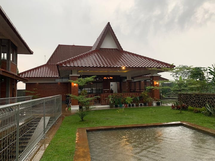 Teras Bata Family Guest House
