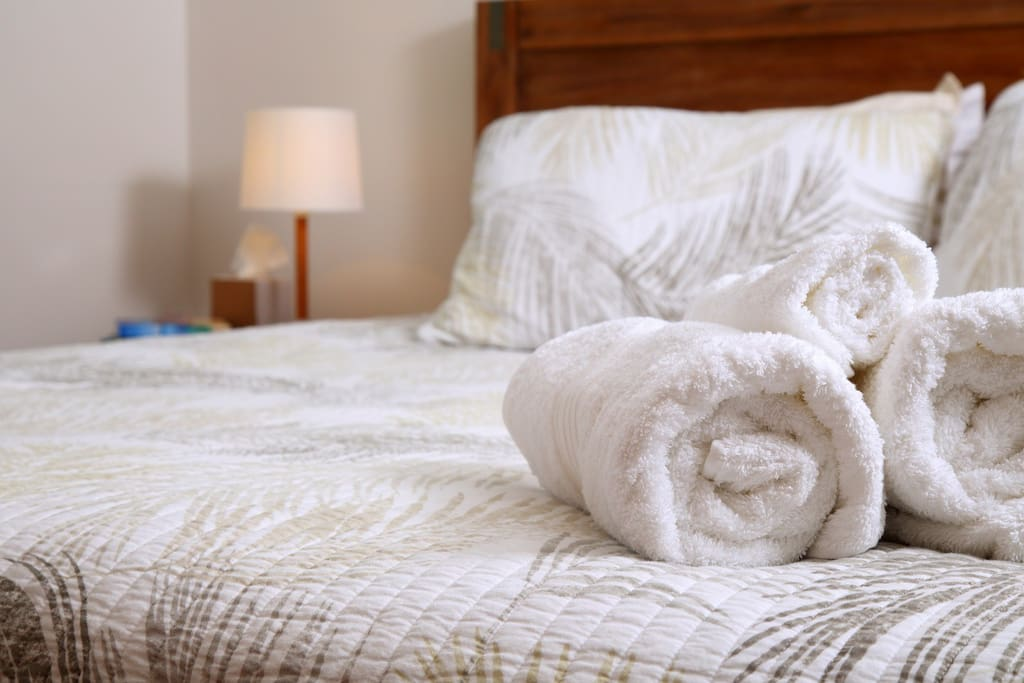 Bed linen and towels are provided