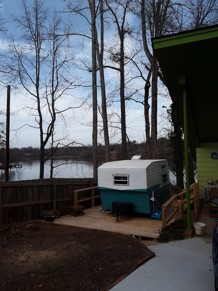 Teeny tiny house on Lake Cunningham