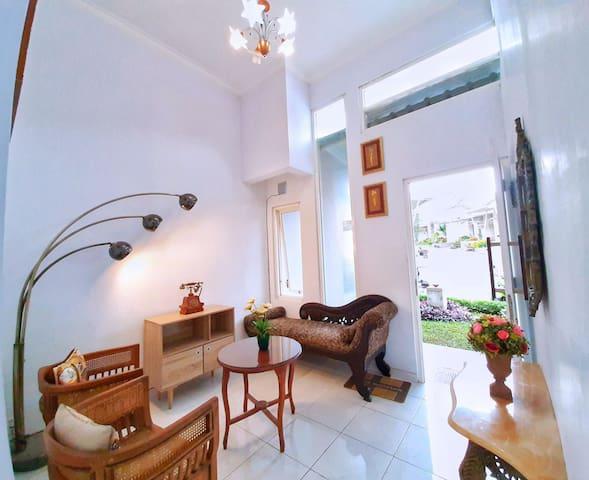 Rumah Sorai - Villa 2BR Tengah Kota Batu Strategis