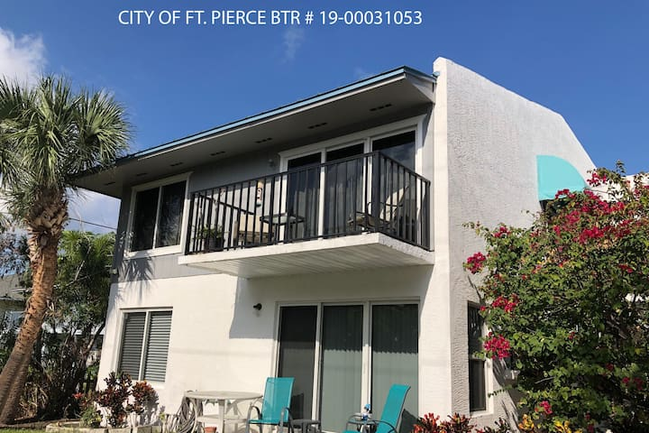 New Listing Island Condo - 2B/2B Remodeled Beauty!