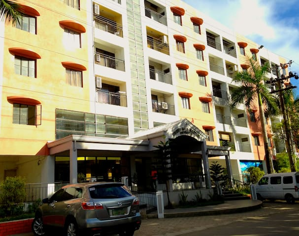 SPACIOUS & QUIET 1-B 3mins to Mactan Cebu Airport - Lapu-Lapu City - Apartment