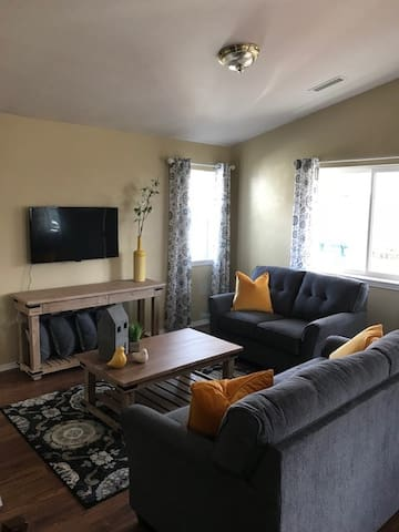 Clean, Cozy and Convenient Three Bedroom House