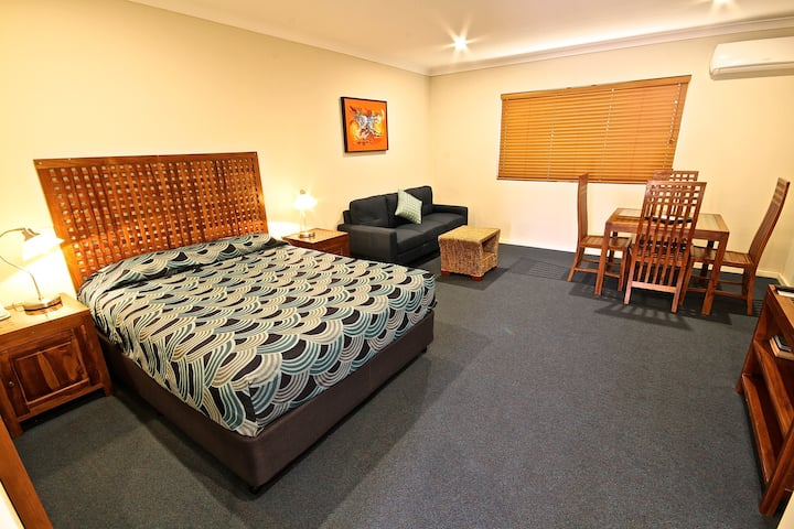 Spacious Studio with spa, room serviced daily.