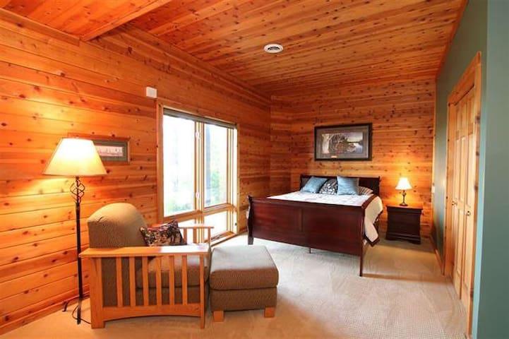 Downstairs Bedroom/ Sleeping area 4