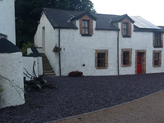Moira Barn 2 Bedroom Cottage S.Catering - Moira - Hus