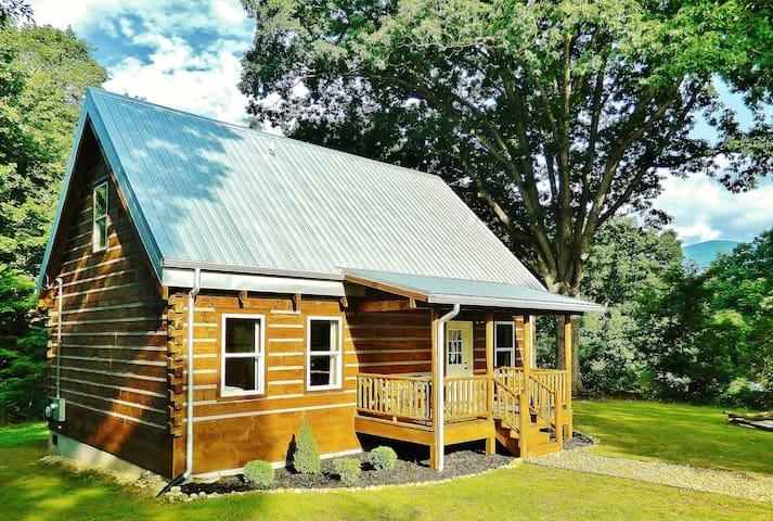 *Newly Built Cabin Black Mountain 15min ASHEVILLE