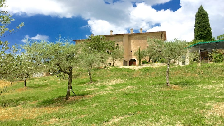 Fogliano Country Villa / sleeps 8 / Rome 1 hr
