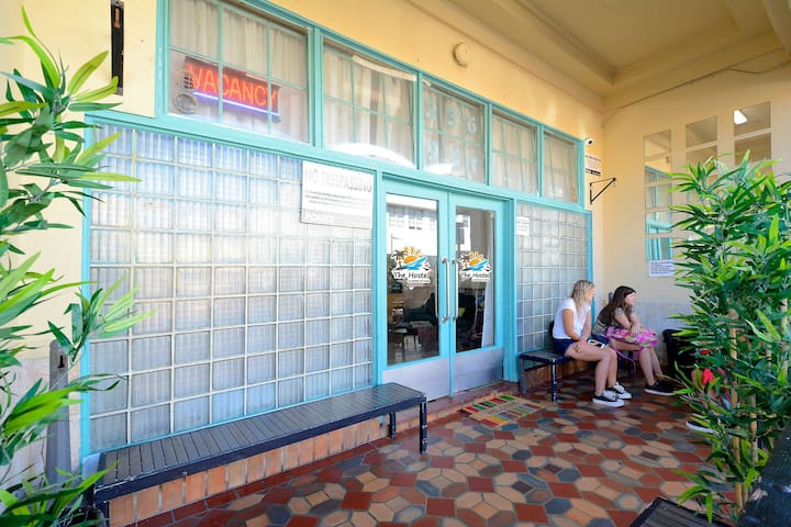 1 Bed in 6 Bed Dorm with Breakfast