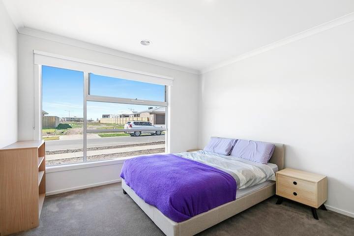 Private Bedroom Bathroom In New Torquay