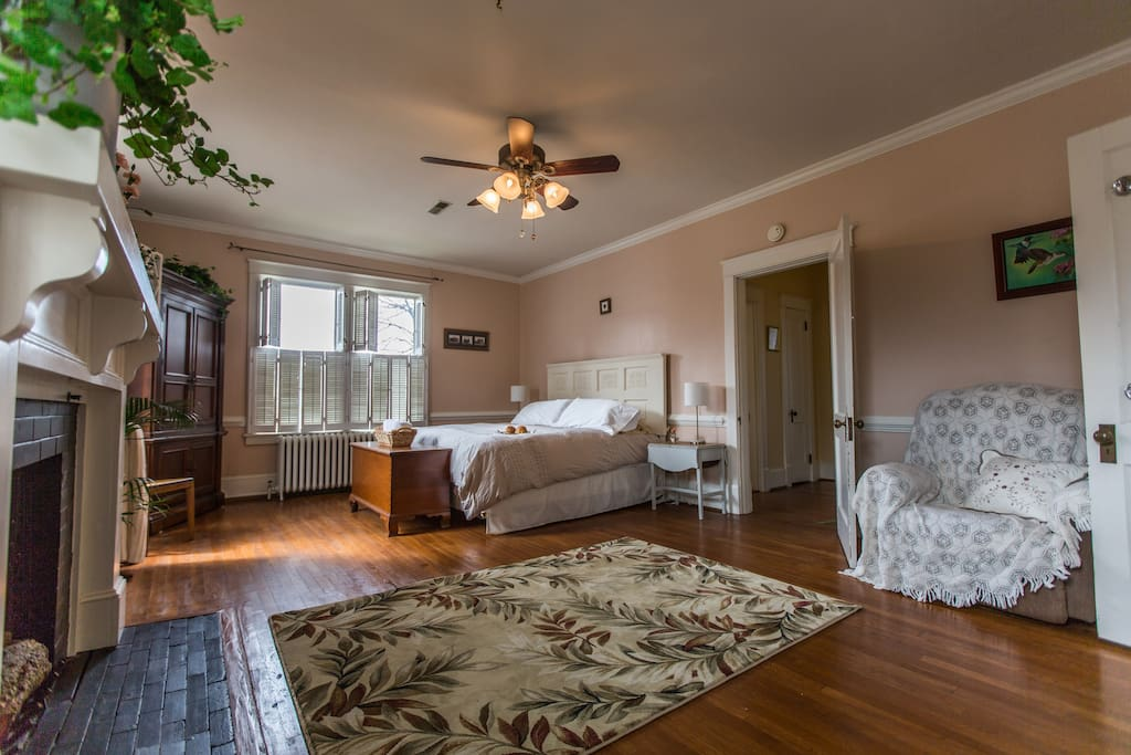 Master Suite With Private Bath Culpeper