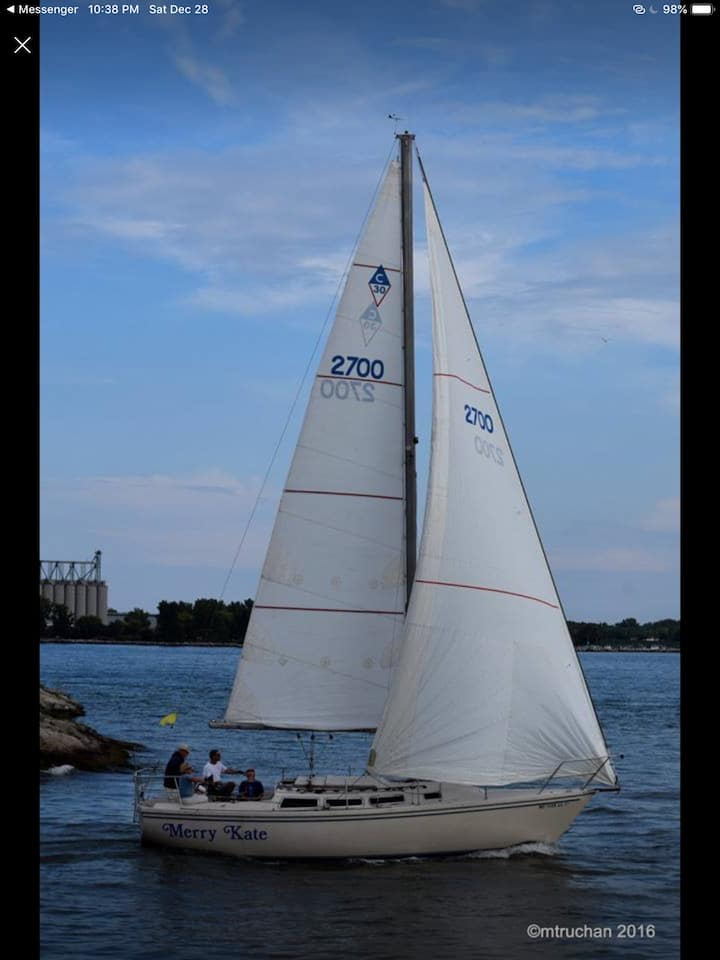 Stay a night on a 30' sail boat Lake Huron @ dock