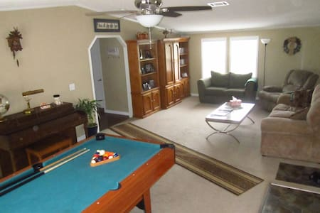 BEST VALUE-NO CLEAN FEE; 2 bedroom+; Rave reviews!