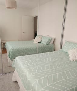 Clean, Cosy, Centrally located ground floor unit - Queens Park