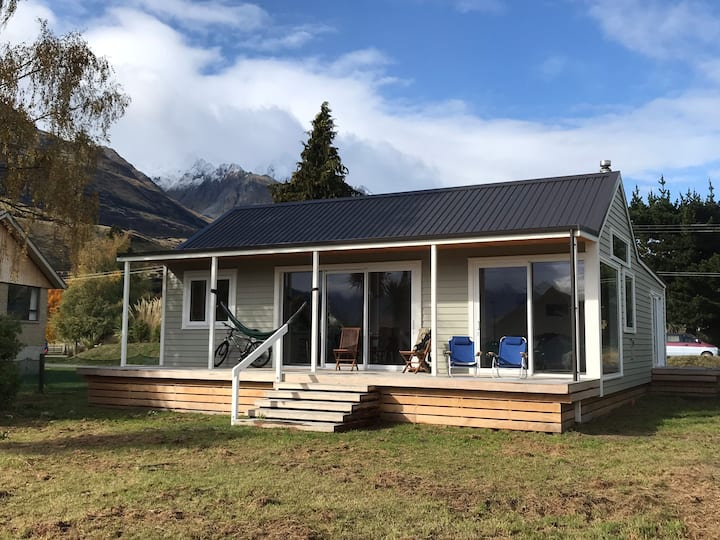 High Country Cottage - Glenorchy home with a view