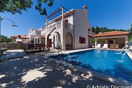 DU28 Villa Buric - Zaton - Villa