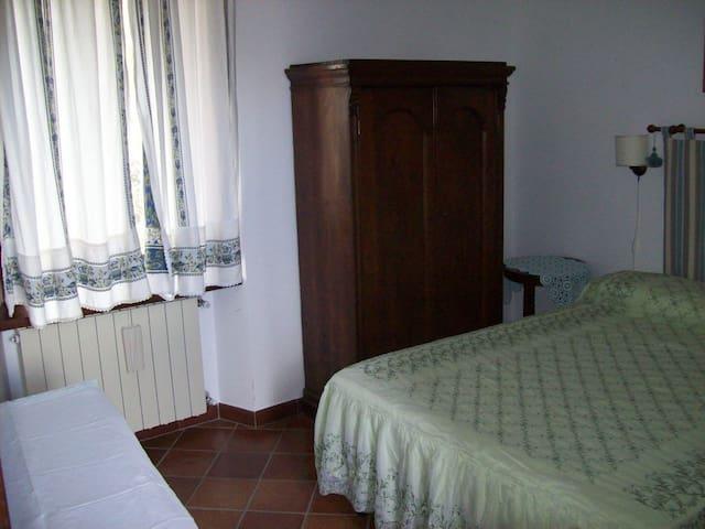 CasaTuccella Camera Monte Bolza - Castel del Monte - ที่พักพร้อมอาหารเช้า