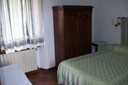 CasaTuccella Camera Monte Bolza - Castel del Monte - Penzion (B&B)