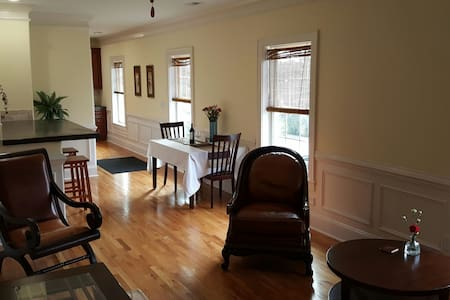 The Heritage at The Gadabout Inn, DT Wake Forest