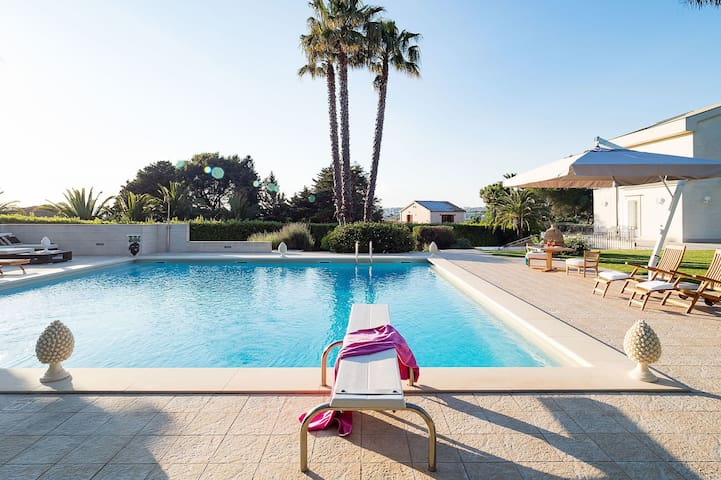 Holiday Flat for 5 with Swimmingpool