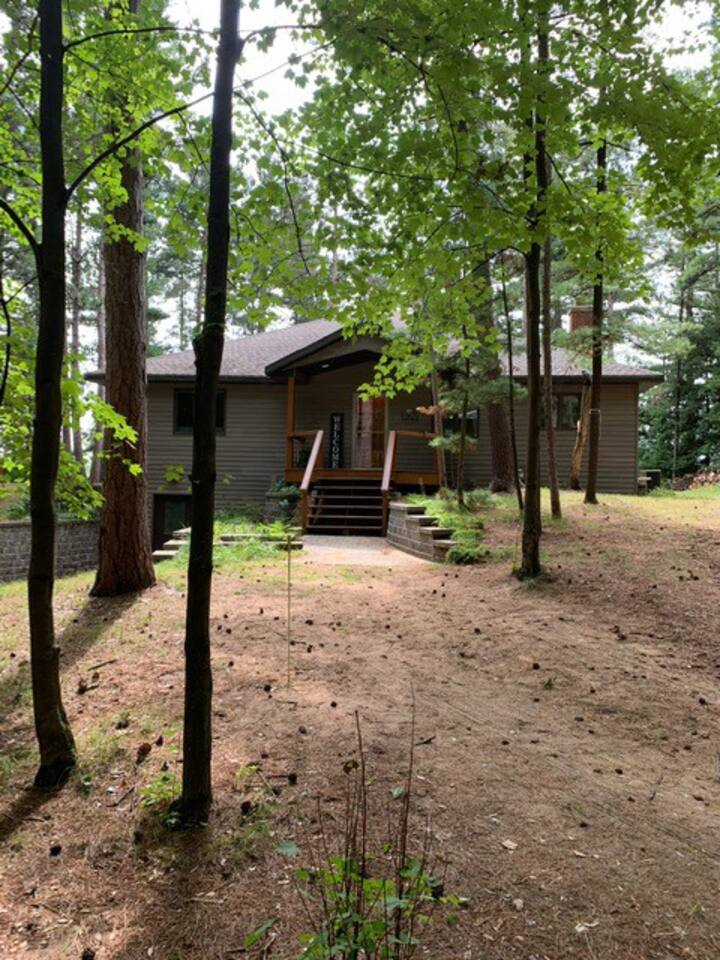 Beautiful Lake home for rent during the EAA