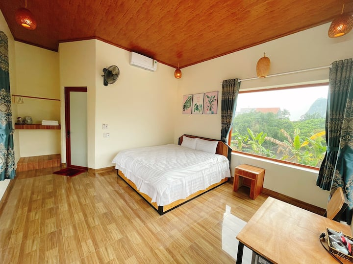Cosiana Homestay - Double Room with Moutain view