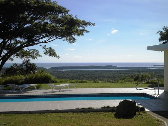 Abreeze 1BR: Three Acre Hilltop Villa in Destino - Puerto Ferro - Casa