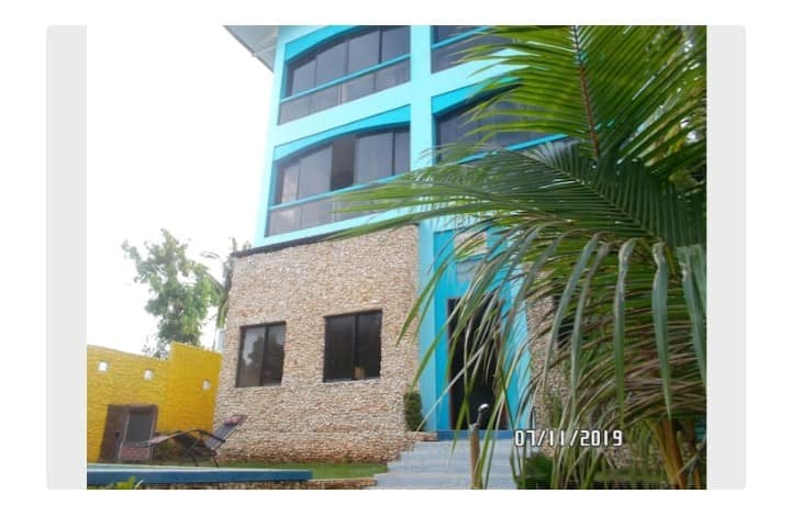 3 STORY HOUSE. P96,000 PER MONTH. LONG TERM