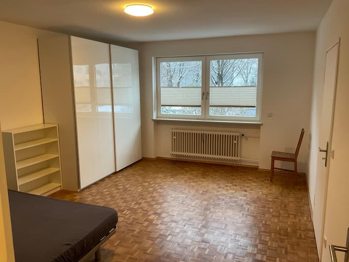 Room in shared flat in Schwabing