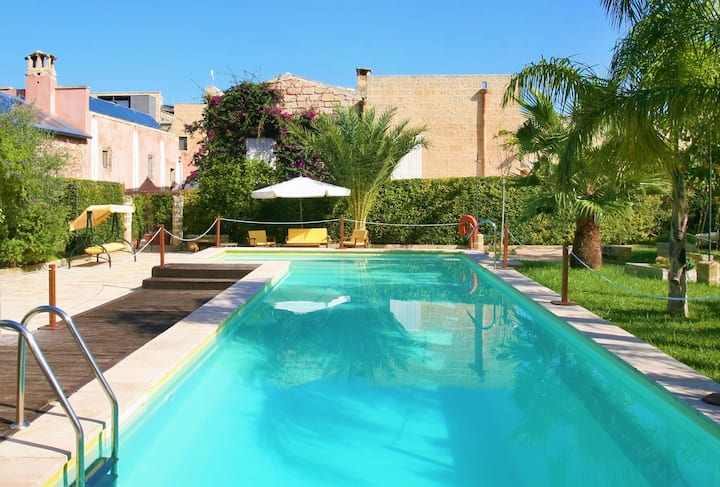 Little gem with pool in Salento (D)