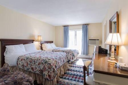 Lodge: Room 104 - Apple Tree Inn
