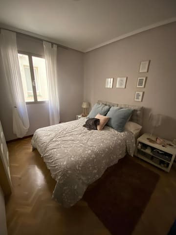 Comfortable Room in Goya Madrid Salamanca District