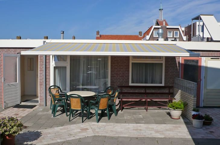 Modern bungalow near at the sea - Westkapelle - Cabana