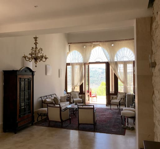 Charming Traditional House - Chouf - House