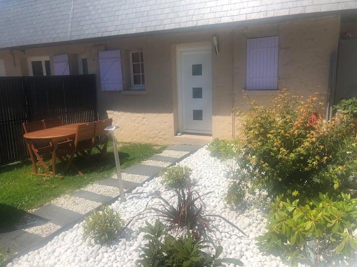maison 68 m2meublé indépendante avec grand jardin