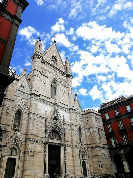 cattedrale a fianco al nostro palazzo cathedral next our bulding